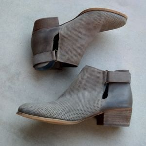 Caslon - Tara Gray Leather Ankle Boots